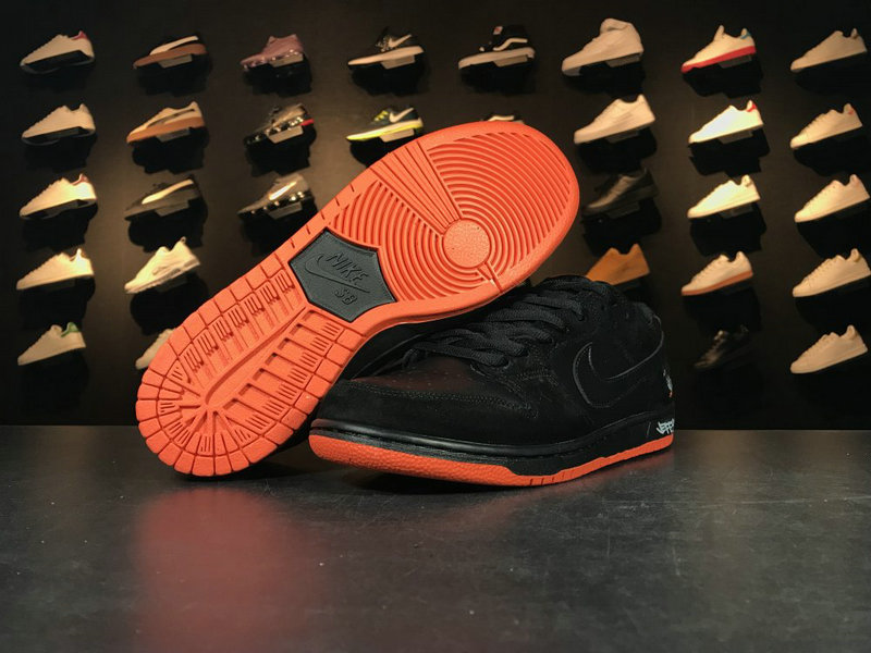 Cheap 883232 008 Black Orange Nike SB Blazer Low GT