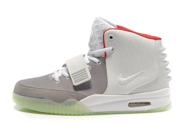 Nike Air Yeezy 2 Wolf Grey Pure Platinum Glow in the Dark For Sale