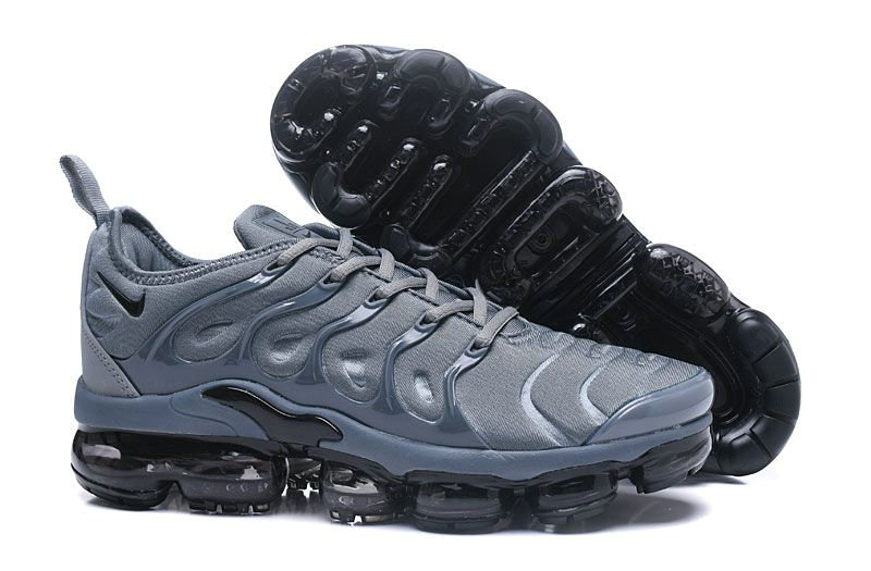 Nike Vapormax Plus Arrives In A Light Grey Black