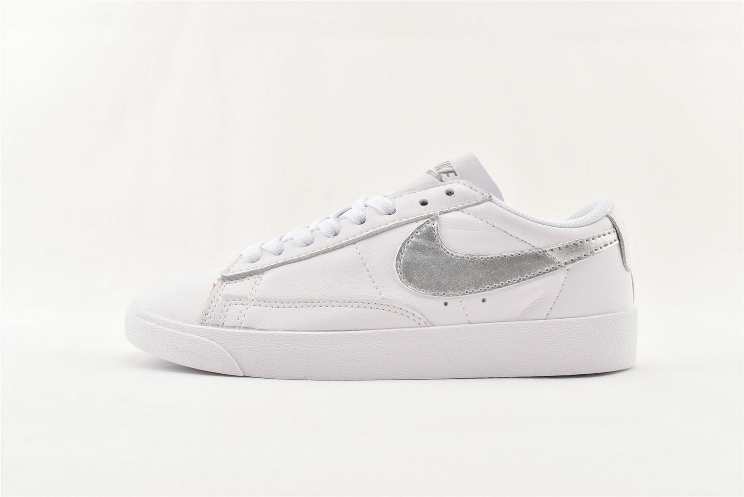 Where To Buy Cheap Nike Blazer Low LE White Metallic Silver-White AA3961-101
