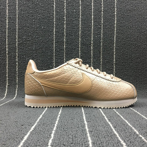 Womens 2019 Cheap Nike Cortez SE Shoe Blur Light Orewood Brown Bio Beige 902856-900